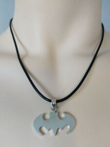 BRAND NEW: Batman Symbol Pendant Necklace