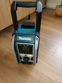 Makita DAB + Bluetooth and battery