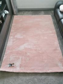 Pink Rug BNWT 160 x 230cm