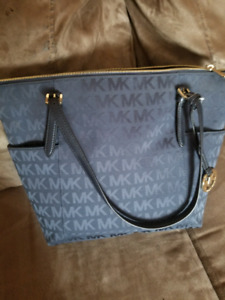 Michael Kors Jet Navy Blue bag. Brand new with tag