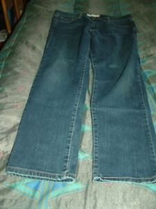 Woman's Jeans Stratford Kitchener Area image 10