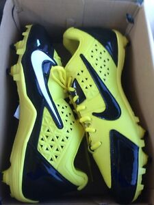 Size 11.5 Nike Alpha Football Cleats low