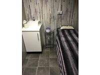 Newly Refurbished Beauty/Treatment Room & Nail Desk to Rent in Busy Salon