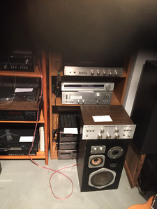 VINTAGE AUDIO GEAR AND RECORDS