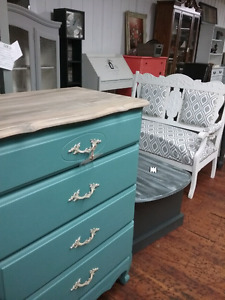 Painted furniture, collectibles, nostalgia, plus 1000 booths
