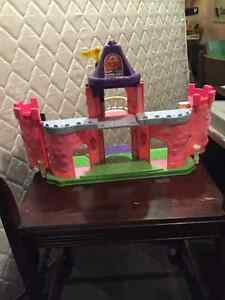 Fisher Price Castle, Pink Kitchener / Waterloo Kitchener Area image 3