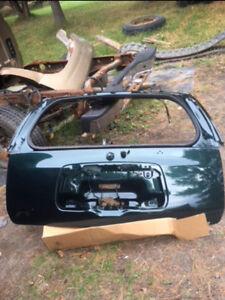 2004 chevy trailblazer rear hatch with glass