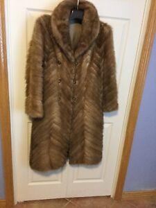 Manteau pattes de vison