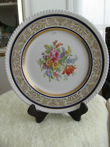 FROM the '40's..BEAUTIFUL OLD VINTAGE 11-INCH DECORATIVE PLATE
