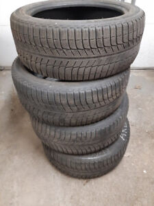 4 Winter tires 235/45R18