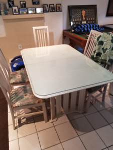 Solid Wood Kitchen Table (5 chairs) with Additional Glass TOP