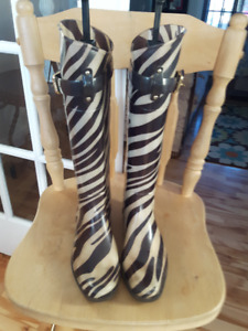 RALPH LAUREN brown zebra stripe tall Rubber Boots 7