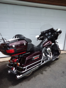 2007 Harley Davidson Ultra Classic.  Excellent Condition!