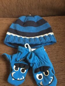 18-24 month hat and gloves set Children's Place