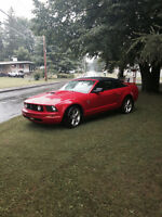 2006 Ford Mustang Rouge Cabriolet