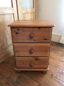 Wooden Chest of Drawers / Bedside Table
