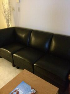 Black leather sectional (Like new!)