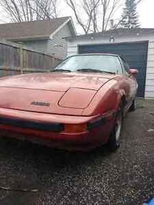 800$ OBO,1985 mazda Rx 7, needs engine rebuit