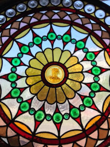 Vitrail circulaire / circular stained glass. Amazing quality