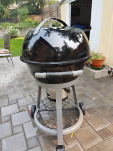 Barbecue - New Coleman Charcoal Kettle