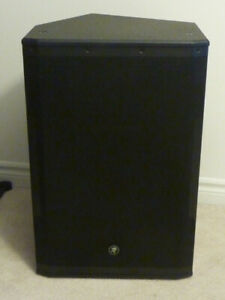"""Mackie SRM650 1600W 15"""" High-Definition Powered Speakers"""