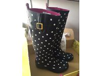 Joules navy spot wellies size 6