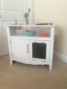 Play Kitchen (Brand New)
