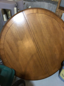 Dinner Room Table + Set of 4 matching chairs