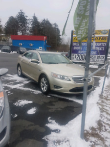 2011 Ford Taurus SEL Fully Loaded!!