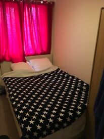Double room for rent in a 2bedroom flat