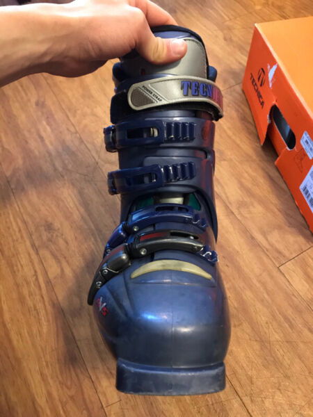 Ski boots technica t1 made in italy
