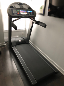 Landice L7 Treadmill with Executive Control Panel