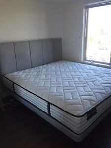 Sleep Country Kingsize Bed and Mattress