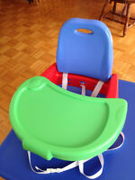 Comme neuf - Siège rehausseur de table Booster Seat like new $20