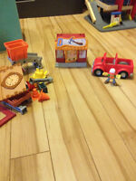 Handy Manny construction set