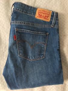 Size 27 Levi's Jeans - NOW $35