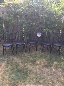 Outdoor chairs with cushion. London Ontario image 1