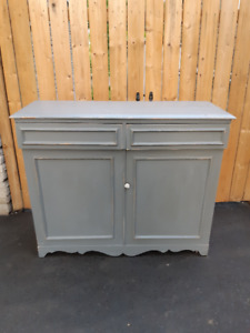 ANTIQUE COUNTRY STYLE PAINTED CUPBOARD CABINET
