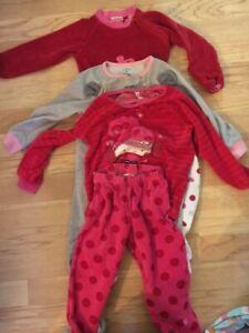 8 pyjamas 2T