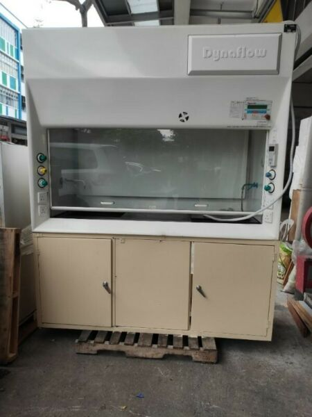 Dynaflow Fume Cupboard with Dynasafe MK3 System Controller for sale @ $1200 each