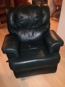 Green Lazy Boy Recliner For Sale, Great/Clean Condition $250