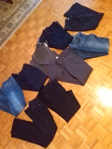 9 pairs jeans pants womans size 8-9 American eagle Hollister