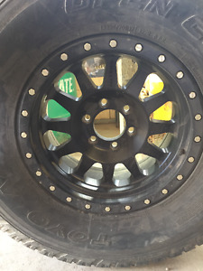 """Ford 17"""" Rims 6 on 135mm with 325/70/R17 tires"""