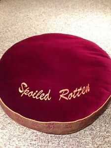 'Spoiled Rotten' Small/Medium Pet Bed Cambridge Kitchener Area image 1