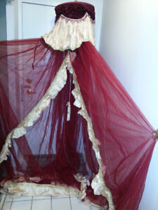 Beautiful queen size canopy for sale