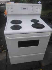 Kitchen stove London Ontario image 2