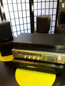 Stereo system with 5 CD player