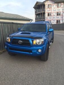 2011 Toyota Tacoma TRD sport, Lots of goodies