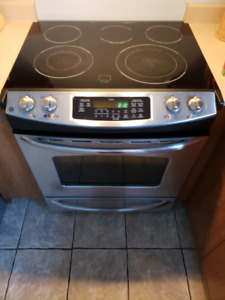 Stainless GE Stove, Standard size, Great conditions