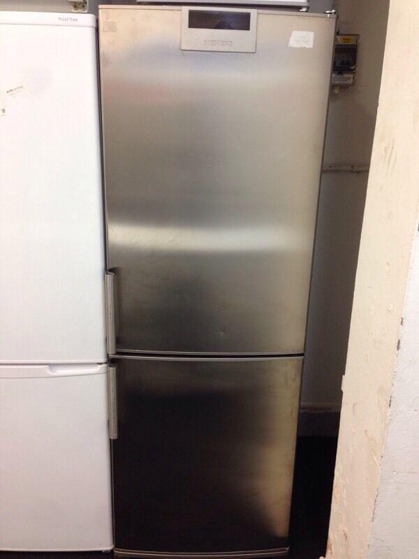 Siemens Frost Free Stainless Steel Fridge Freezer Graded